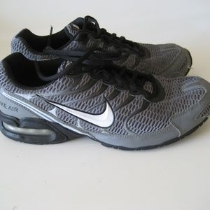 Men's Nike Air Torch 4 athletic shoes sz 10.5